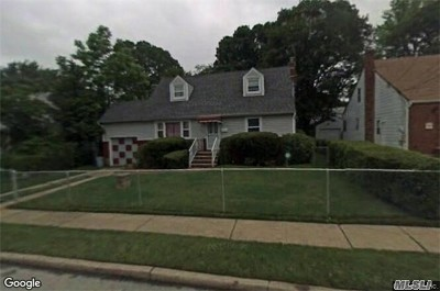 Rockville Centre Single Family Home For Sale: 504 Lafayette Ave
