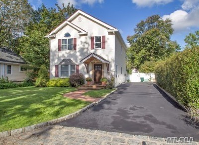 Smithtown Single Family Home For Sale: 6 South Ave