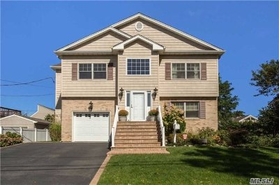 Bellmore Single Family Home For Sale: 2469 Army Pl