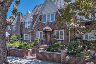 Middle Village Single Family Home For Sale: 81-02 Penelope Ave