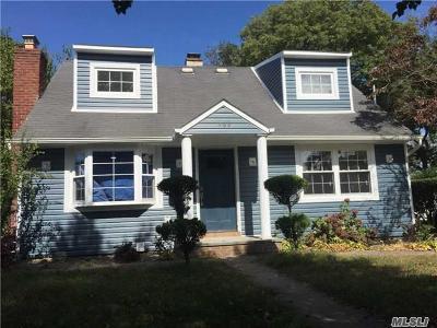 Oceanside Single Family Home For Sale: 368 Evans Ave