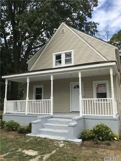 Rockville Centre Single Family Home For Sale: 526 Jefferson Ave