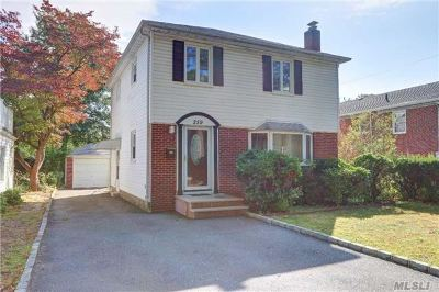 Garden City Single Family Home For Sale: 259 New Hyde Park Rd