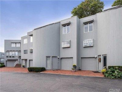 Port Washington Condo/Townhouse For Sale: 12 Sands Court #12