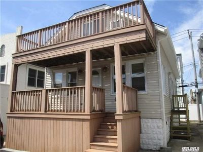 Long Beach NY Single Family Home For Sale: $459,000