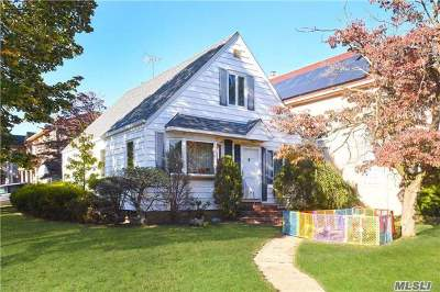 New Hyde Park Single Family Home For Sale: 269-03 81 Ave