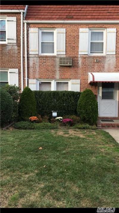 Fresh Meadows Single Family Home For Sale: 17315 Jewel Ave