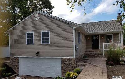 Farmingville Single Family Home For Sale: 56 Lidge Dr