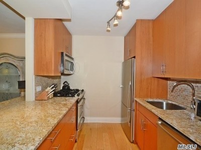 Bayside, Oakland Gardens Co-op For Sale: 18-05 215 St #3 F