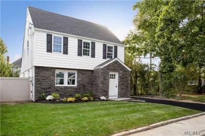 Hewlett Single Family Home For Sale: 35 Raymond Pl