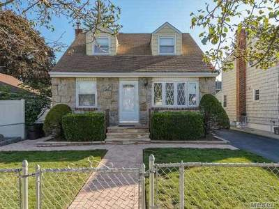 Single Family Home Sold: 36 Manhattan Ave