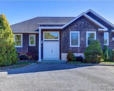 Southampton NY Single Family Home For Sale: $889,000