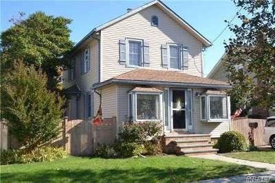 Oceanside Single Family Home For Sale: 514 Windsor Pl