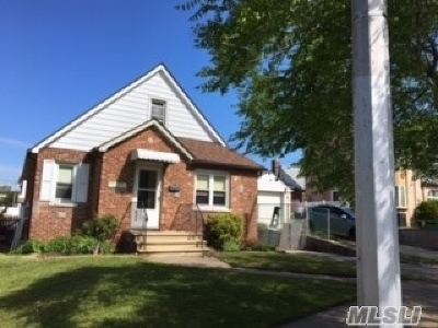 Fresh Meadows Single Family Home For Sale: 48-12 171 St