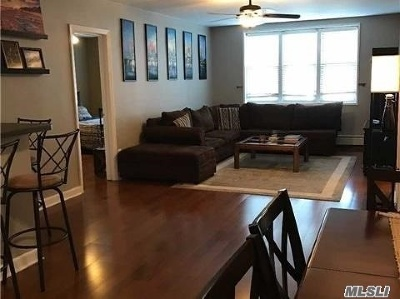 Long Beach NY Co-op For Sale: $260,000