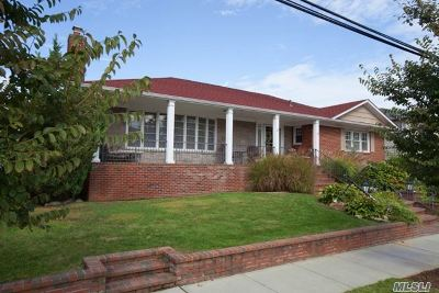 Long Beach Single Family Home For Sale: 365 W Pine St