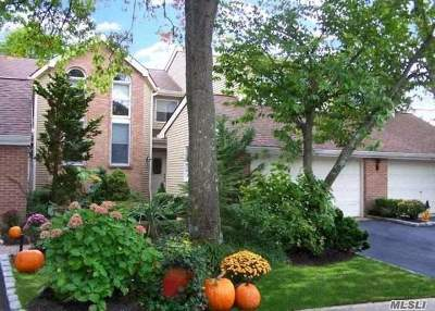 Smithtown Condo/Townhouse For Sale: 22 Willow Ridge Dr