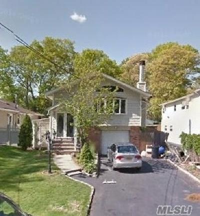 Ronkonkoma Single Family Home For Sale: 387 Ontario St