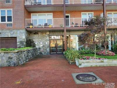 Long Beach NY Condo/Townhouse For Sale: $399,000