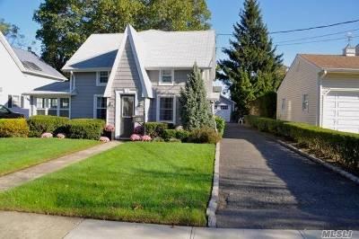 Rockville Centre Single Family Home For Sale: 135 Linden St