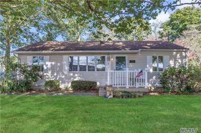 Bohemia Single Family Home For Sale: 43 Bourne Blvd