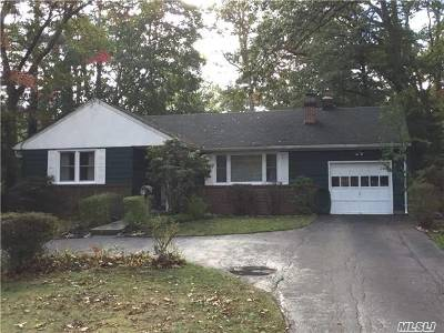 Huntington Single Family Home For Sale: 10 Cottage Ct