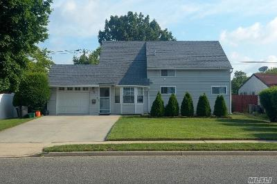 Levittown Single Family Home For Sale: 71 Orchid Rd