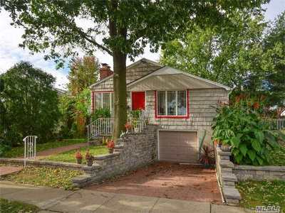 Port Washington Single Family Home For Sale: 13 S Linwood Rd