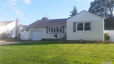 Deer Park Single Family Home For Sale: 143 E 5th St