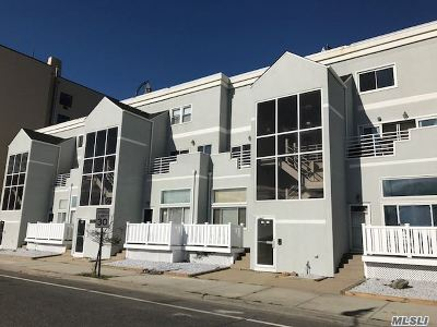 Long Beach Condo/Townhouse For Sale: 45 E Broadway #10