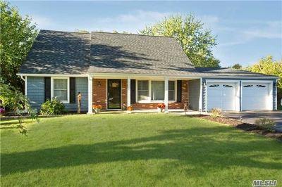 S. Setauket Single Family Home For Sale: 35 Strathmore Villa Dr