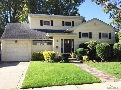 Oceanside Single Family Home For Sale: 3426 Knight St