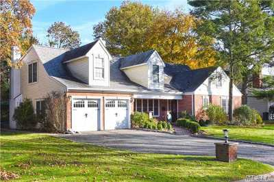 Roslyn Heights Single Family Home For Sale: 129 Westwood Cir