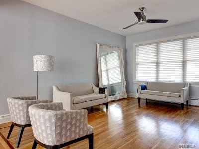Astoria Single Family Home For Sale: 32-23 46th St