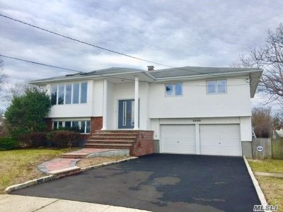 Bellmore Single Family Home For Sale: 2466 Shelly Ct