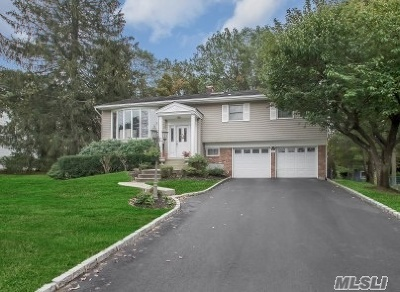 Hauppauge Single Family Home For Sale: 14 Bud Ct