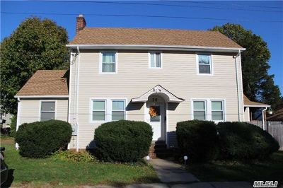Huntington Single Family Home For Sale: 30 Mulford Ave