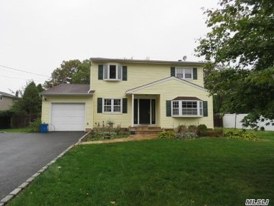 Ronkonkoma Single Family Home For Sale: 567 4th St