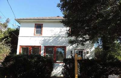 East Norwich Single Family Home For Sale: 915 Oyster Bay Rd