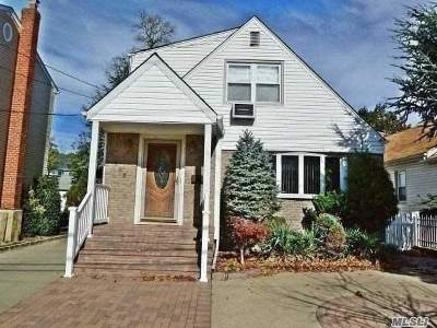 Lynbrook Single Family Home For Sale: 253 Hendrickson Ave