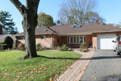 Roslyn Single Family Home For Sale: 154 Westwood Cir