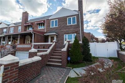 Middle Village Single Family Home For Sale: 58-02 80th St