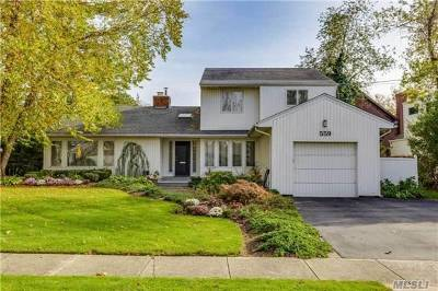 Woodmere Single Family Home For Sale: 559 Clubhouse Rd