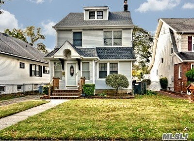 Lynbrook Single Family Home For Sale: 362 Scranton Ave