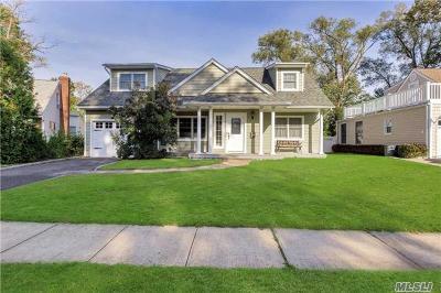 Glen Head Single Family Home For Sale: 21 Hamilton Sq