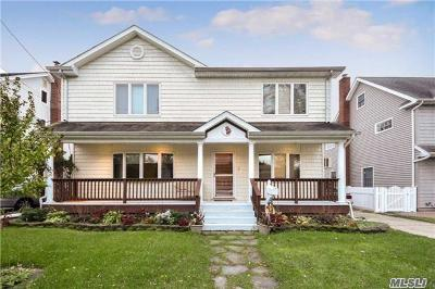 Hicksville Single Family Home For Sale: 35 Malone St