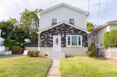 East Meadow Single Family Home For Sale: 1639 Warren St