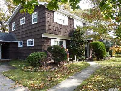 Copiague Single Family Home For Sale: 24 William St