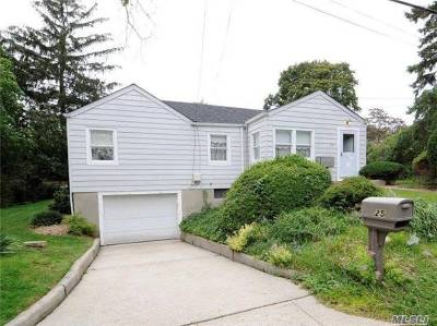 Huntington Single Family Home For Sale: 25 Valentine Ave