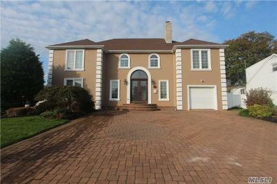 Bellmore Single Family Home For Sale: 2731 Landing Ave